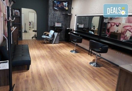 Новият Омбре стил! Боядисване, подстригване, терапия с маска и прическа със сешоар в Студио за красота BEAUTY STAR до Mall of Sofia! - Снимка 7