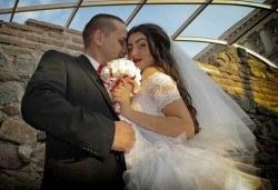 Фото и видео заснемане на сватбено тържество, икономичен пакет: цялостно фотозаснемане, видеозаснемане, фотосесия, ефектни кадри с камера GoPro, видеоклип и подарък - Снимка
