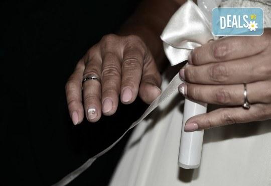 Фото и видео заснемане на сватбено тържество, промо пакет: цялостно фотозаснемане, видеозаснемане, фотосесия, ефектни кадри с камера GoPro, видеоклип и подарък - Снимка 21