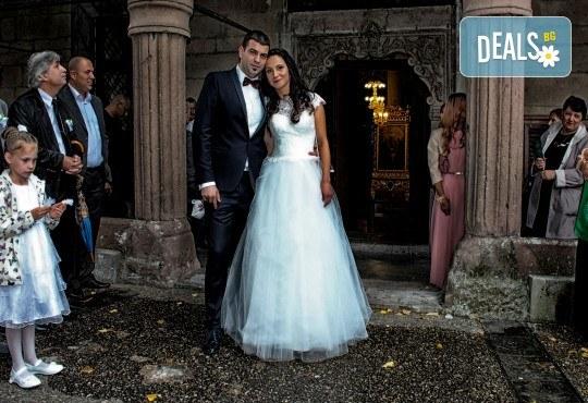 Фото и видео заснемане на сватбено тържество, промо пакет: цялостно фотозаснемане, видеозаснемане, фотосесия, ефектни кадри с камера GoPro, видеоклип и подарък - Снимка 10