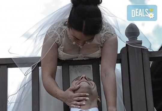 Фото и видео заснемане на сватбено тържество: цялостно фотозаснемане, видеозаснемане, фотосесия, арт фотосесия, дрон, екшън камера GoPro, видеоклип и 2 подаръка - Снимка 7