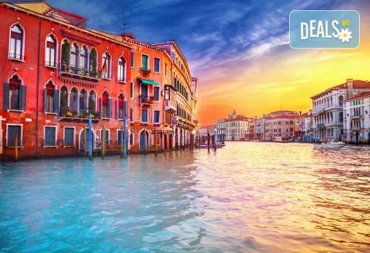 Самолетна екскурзия до Венеция със Z Tour през юни или юли! 3 нощувки със закуски в хотел 2*, самолетен билет, летищни такси и трансфери! Индивидуално пътуване! - Снимка 5