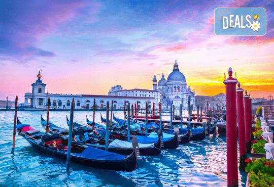 Самолетна екскурзия до Венеция със Z Tour през юни или юли! 3 нощувки със закуски в хотел 2*, самолетен билет, летищни такси и трансфери! Индивидуално пътуване! - Снимка 6