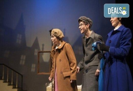 На театър с децата! Гледайте Мери Попинз на 02.06. или на 09.06. от 11.00 ч. в Театър ''София'', билет за двама! - Снимка 5