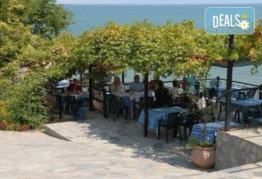 На плаж и риболов в Гърция! 2 нощувки със закуски в Camping Agiannis, транспорт и водач от Валента ВИП Травел! - Снимка 9