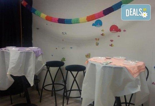 Детски рожден ден в Детски център Приказен свят на супер цена! Зала за деца, зала за възрастни, напитки, пица, украса и аниматор или DJ! - Снимка 14