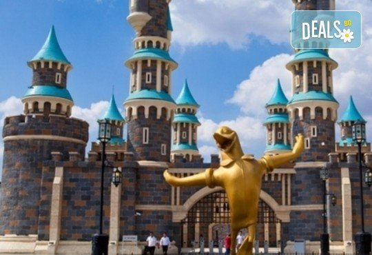 За Деня на детето - в Истанбул и мега парк Виаленд, с Караджъ Турс! 2 нощувки със закуски, транспорт, посещение на Виаленд и Миниатюрк! - Снимка 1