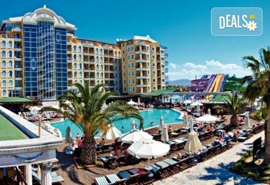 Почивка в Didim Beach Elegance Aqua & Thermal 5*, Турция, с Глобус Холидейс! 4, 5 или 7 нощувки на база All Inclusive, възможност за транспорт - Снимка 1