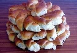Един или два килограма домашни козуначени кифлички с шоколад или мармалад от Работилница за вкусотии Рави - Снимка