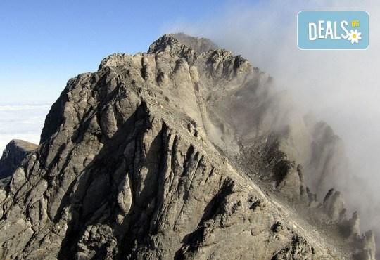 Тридневна екзкурзия до Митикас, най-високия връх в планината на боговете - Олимп, Гърция! 2 нощувки, транспорт и планински водач от Еволюшън Травел! - Снимка 2