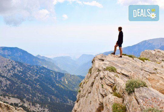 Юни до вр. Митикас, Олимп, Гърция: 2 нощувки, транспорт и планински водач