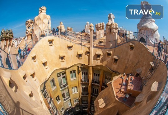 Екскурзия до прелестната Барселона през лятото! 3 нощувки със закуски, самолетен билет с включени летищни такси, транспорт с автобус и водач от Дари Травел! - Снимка 7