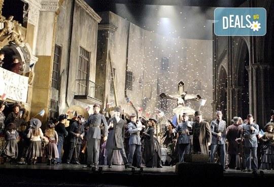 Кино Арена представя операта ФАУСТ, постановка на Дейвид Маквикър, спектакъл на Кралската опера в Лондон! Гледайте на 29 май, 1 и 2 юни, в страната - Снимка 4