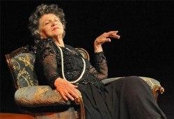 """Гледайте Стоянка Мутафова в """"Госпожа Стихийно бедствие"""", на 22.05., от 19.00 ч, Театър Сълза и Смях, 1 билет - Снимка"""
