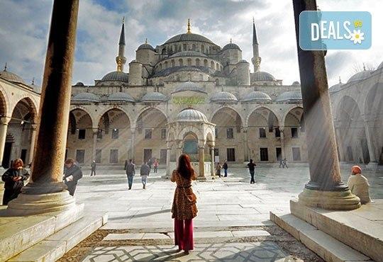 Екскурзия до Истанбул: 2 нощувки, закуски, транспорт, с опция за Църквата на първо число