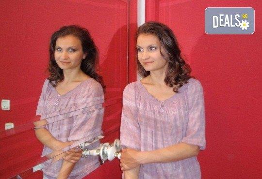 Страхотна визия! Професионален грим и прическа по избор в салон за красота Коса и Грим! - Снимка 16