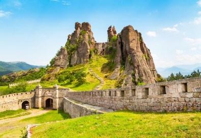 Еднодневна екскурзия през юни или юли до Белоградчишките скали и пещерата Магурата с транспорт и водач от туроператор Поход! - Снимка