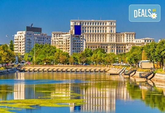 Екскурзия през юни до Румъния - Синая, Букурещ ! 2 нощувки и закуски в Синая и водач, транспорт от Пловдив, Карлово, В. Търново и Русе - Снимка 4