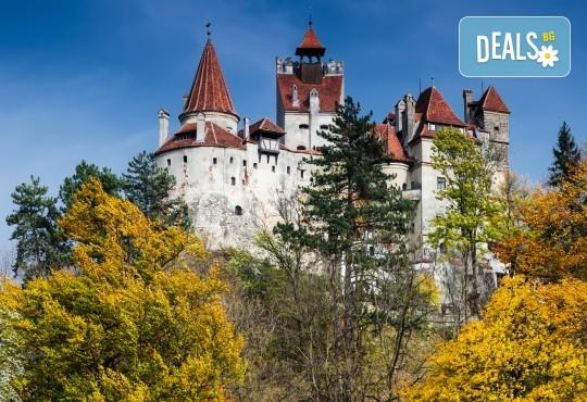 За 22 септември в Румъния! 2 нощувки със закуски в Синая, транспорт, посещение на двореца Пелеш! - Снимка 11