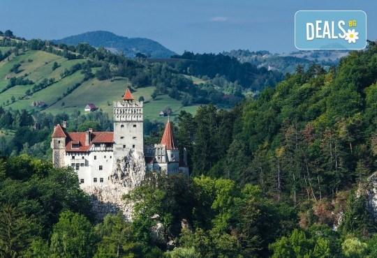 За 22 септември в Румъния! 2 нощувки със закуски в Синая, транспорт, посещение на двореца Пелеш! - Снимка 12