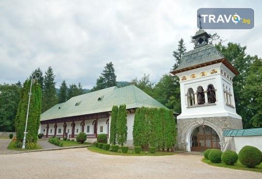 За 22 септември в Румъния! 2 нощувки със закуски в Синая, транспорт, посещение на двореца Пелеш! - Снимка 3