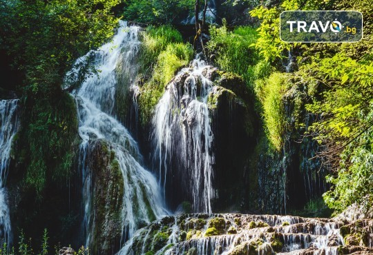 Еднодневна екскурзия до Деветашката пещера, Крушунските водопади и Ловеч с транспорт и екскурзовод от агенция Поход! - Снимка 1