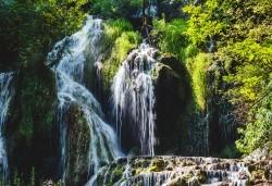 Еднодневна екскурзия до Деветашката пещера, Крушунските водопади и Ловеч с транспорт и екскурзовод от агенция Поход! - Снимка