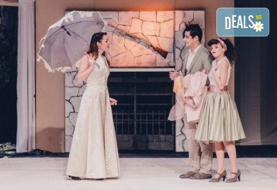 Две комедии на Уди Алън и Нийл Саймън на сцената на Театър ''София''! ''Олд Сейбрук'' и ''Последният страстен любовник'' на 22.06. от 19 ч., билет за един! - Снимка 2