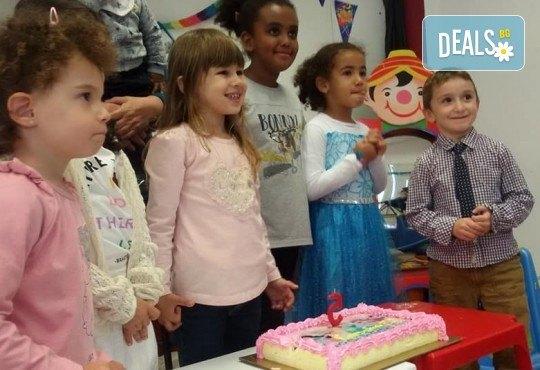 Парти Направи си сам! 2 часа детски рожден ден за 15 деца: включена зала, украса, напитки и възможност за лично планиране на партито в Детски център - Приказен свят! - Снимка 18