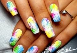Красиви цветове върху ноктите! Маникюр с гел лак, сваляне на стар гел лак и 4бр. ръчно рисувани декорации във VM's Beauty House! - Снимка