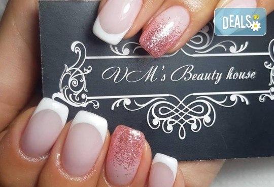 Красиви цветове върху ноктите! Маникюр с гел лак, сваляне на стар гел лак и 4бр. ръчно рисувани декорации във VM's Beauty House! - Снимка 3