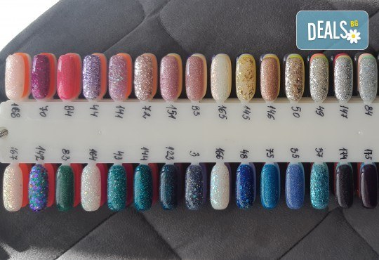 Красиви цветове върху ноктите! Маникюр с гел лак, сваляне на стар гел лак и 4бр. ръчно рисувани декорации във VM's Beauty House! - Снимка 13