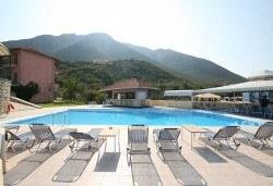 Слънчева почивка през юни или септември в Hotel Sunrise 2* на о. Лефкада! 5 нощувки със закуски, транспорт и екскурзовод! - Снимка
