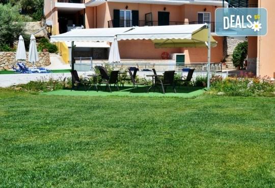 Лятна почивка в Hotel Vergina Star 2* на о. Лефкада! 5 нощувки със закуски, транспорт, екскурзовод и медицинска застраховка! - Снимка 7
