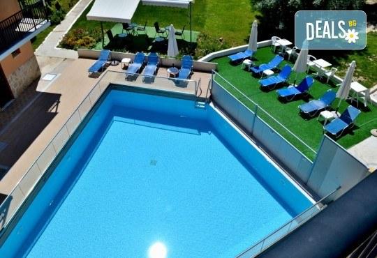 Лятна почивка в Hotel Vergina Star 2* на о. Лефкада! 5 нощувки със закуски, транспорт, екскурзовод и медицинска застраховка! - Снимка 3