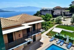 Лятна почивка в Hotel Vergina Star 2* на о. Лефкада! 5 нощувки със закуски, транспорт, екскурзовод и медицинска застраховка! - Снимка