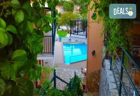 Лятна почивка в Hotel Vergina Star 2* на о. Лефкада! 5 нощувки със закуски, транспорт, екскурзовод и медицинска застраховка! - Снимка 6