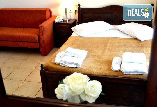 Лятна почивка в Hotel Vergina Star 2* на о. Лефкада! 5 нощувки със закуски, транспорт, екскурзовод и медицинска застраховка! - Снимка 4