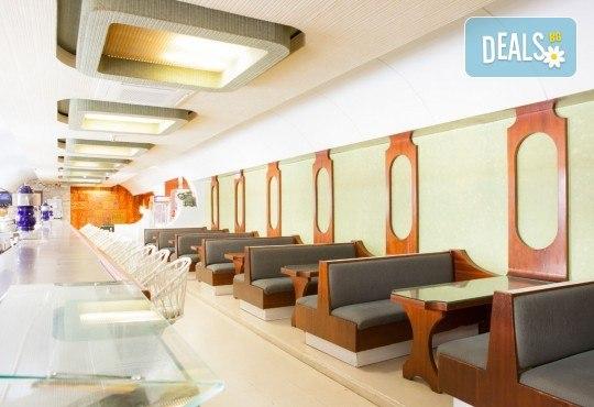 На море в Испания със Z Tour! Самолетен билет, 7 нощувки със закуски и вечери в хотел 3* в Малграт де Мар, летищни такси и трансфери! - Снимка 9