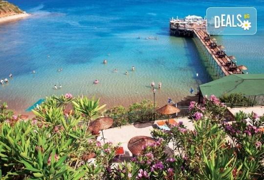 Късно лято в Didim Beach Elegance Aqua & Thermal 5*, Турция, с Глобус Холидейс! 5 или 7 нощувки All Inclusive, безплатно за дете до 12.99 г, възможност за транспорт - Снимка 20