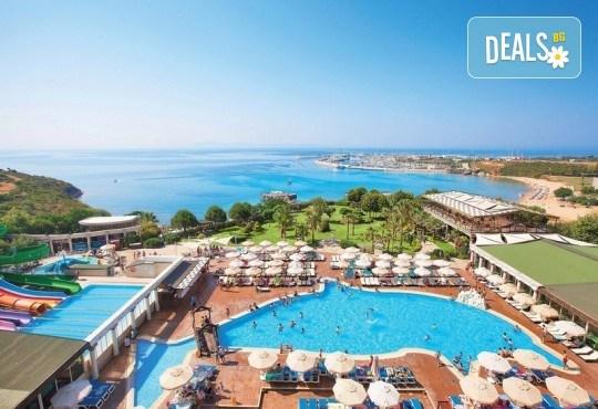 Късно лято в Didim Beach Elegance Aqua & Thermal 5*, Турция, с Глобус Холидейс! 5 или 7 нощувки All Inclusive, безплатно за дете до 12.99 г, възможност за транспорт - Снимка 2