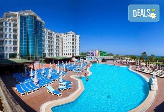 Късно лято в Didim Beach Elegance Aqua & Thermal 5*, Турция, с Глобус Холидейс! 5 или 7 нощувки All Inclusive, безплатно за дете до 12.99 г, възможност за транспорт - Снимка 15