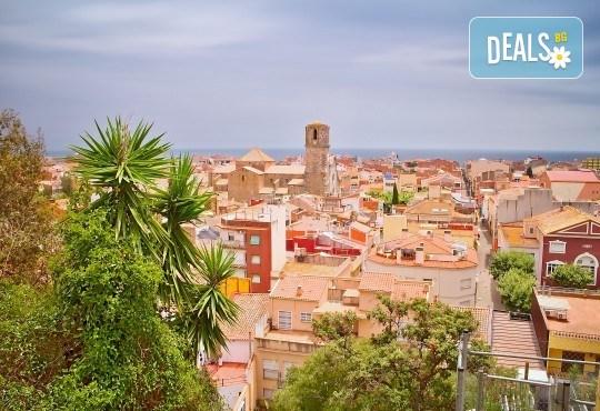 Изпратете лятото с почивка в Испания, Малграт де Мар! Самолетен билет, 7 нощувки със закуски и вечери в хотел 3*, летищни такси и трансфери! - Снимка 3