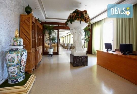 Изпратете лятото с почивка в Испания, Малграт де Мар! Самолетен билет, 7 нощувки със закуски и вечери в хотел 3*, летищни такси и трансфери! - Снимка 12