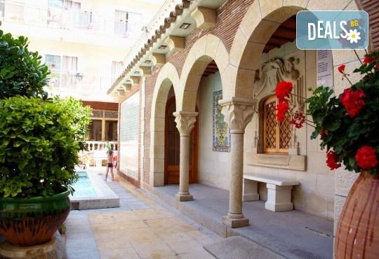Изпратете лятото с почивка в Испания, Малграт де Мар! Самолетен билет, 7 нощувки със закуски и вечери в хотел 3*, летищни такси и трансфери! - Снимка 14