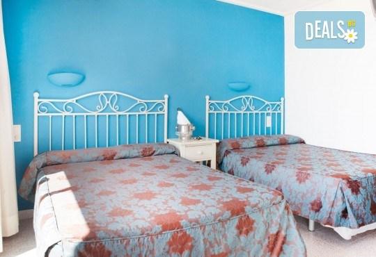 Изпратете лятото с почивка в Испания, Малграт де Мар! Самолетен билет, 7 нощувки със закуски и вечери в хотел 3*, летищни такси и трансфери! - Снимка 7