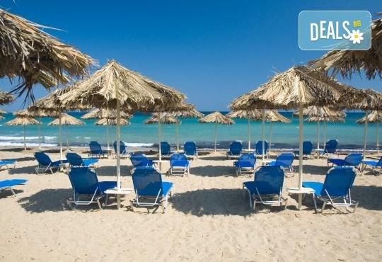 На плаж в слънчева Гърция през юни или юли! Транспорт до Амолофи бийч, Неа Перамос, и екскурзовод от Глобул Турс! - Снимка 2