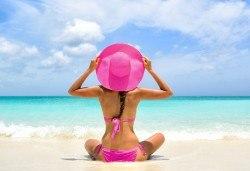 На плаж в слънчева Гърция през юни или юли! Транспорт до Амолофи бийч, Неа Перамос, и екскурзовод от Глобул Турс! - Снимка