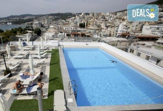 На плаж в Кавала, Амолофи Бийч и Неа Ираклица, Северна Гърция! 1 нощувка със закуска в Hotel Oceanis 3* в Кавала, транспорт и обиколка в Кавала - Снимка 10