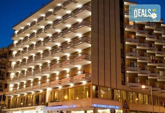 На плаж в Кавала, Амолофи Бийч и Неа Ираклица, Северна Гърция! 1 нощувка със закуска в Hotel Oceanis 3* в Кавала, транспорт и обиколка в Кавала - Снимка 5